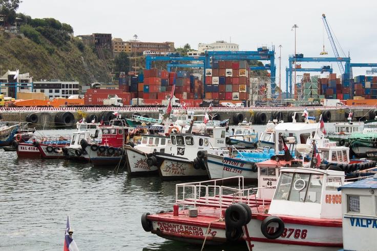 Valparaiso's bay boats for tourist travel.