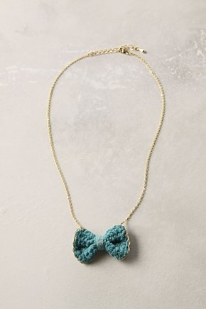 Anthropologie crochet bow necklace