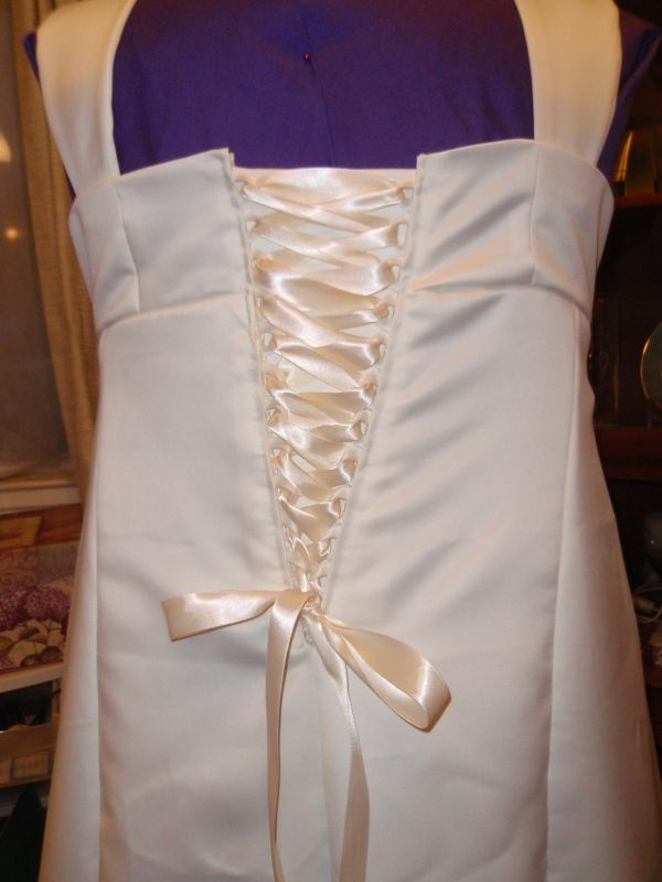 DIY zipper to corset back dress--- can be used to make the top of a dress a little bigger
