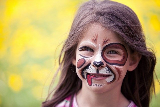 Great kids Halloween costumes are a bit subjective – it depends whose point of view you're looking at them from. As a parent, a great costume is one that's safe and appropriate for the childrens age. From a kid's point of view, practicality isn't really that important – they're more interested in the latest TV … Continue reading 20 Kids Halloween Makeup Ideas