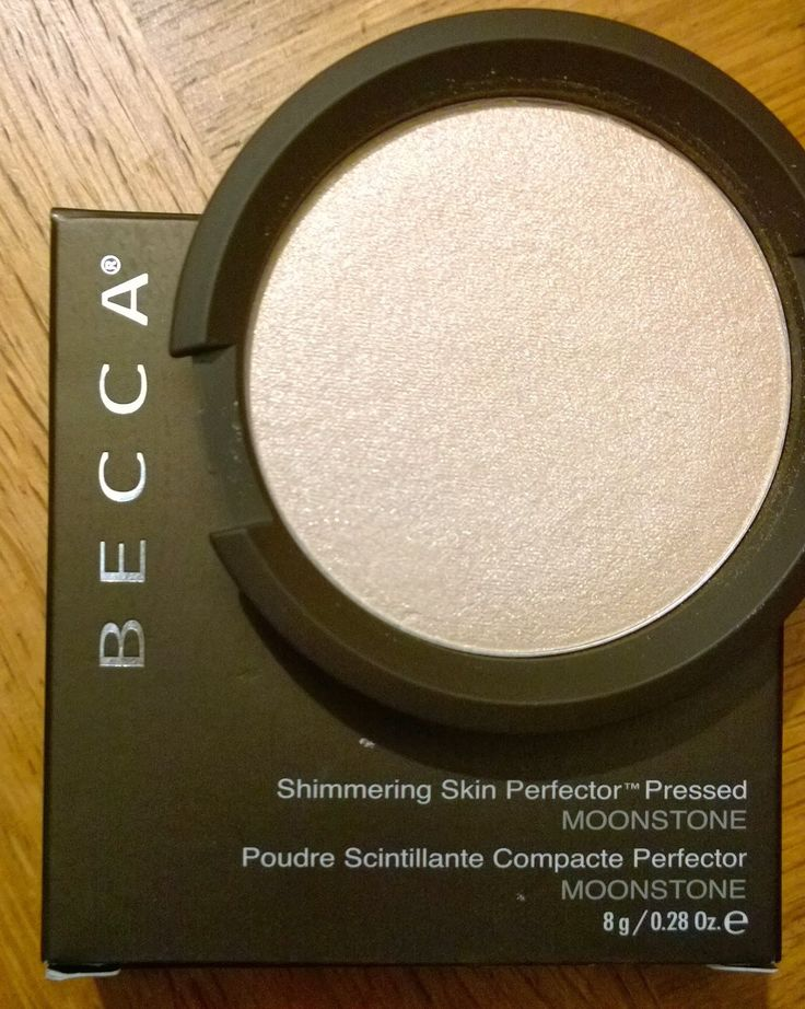 Becca Shimmering Skin Perfector - pressed in Moonstone