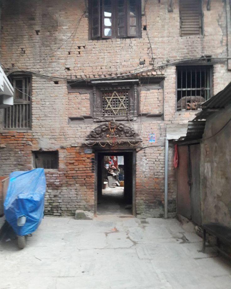 #六芒星 は昔からどこにでもある印子供でも思いつく形だから #ユダヤ #陰謀論 は #デマ ばかり #nepal #newar #ネパール #ネワール #kathmandu #tahiti #カトマンドゥ #タヒティ