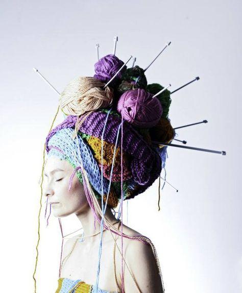 Knitulator sucht #Wollideen: #wolle #stricken #häkeln #strickmütze #häkelkappe #faschinkstricken #karneval #maske  www.knitulator.com