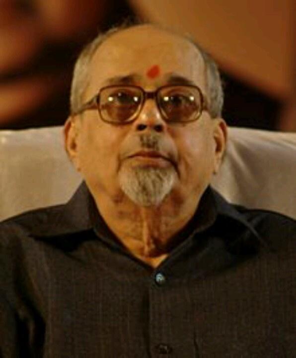 Marathi Poet Padmabhushan Mangesh Padgaonkar