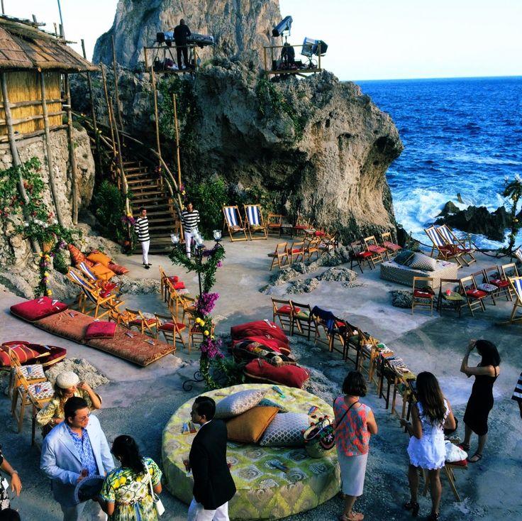 Dolce & Gabbana alta moda presentation serbing up some serious beach-side Mediterranean wedding reception/ceremony inspiration.