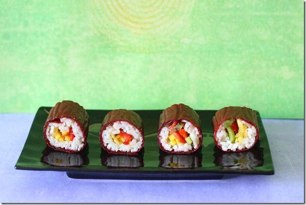 Sushi di frutta esotica e marmellata di mirtilli neri