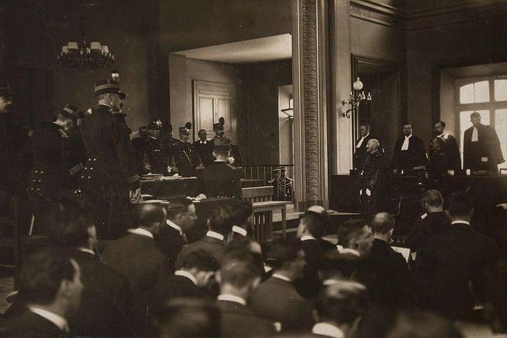 Réhabilitation d'Alfred Dreyfus par la Cour de cassation le 12 juillet 1906