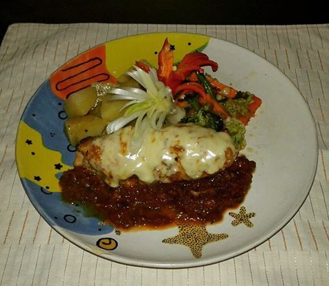 Try our Chicken Scallopine with Sage - chicken fillet, seasoned with clove, pepper & garlic, layered with sage, red pepper & ricotta cheese & cooked in herbed tomato sauce, served with mixed vegetables, potatoes and grated with Mozzarella cheese ... The Dining Room Restaurant & Pizzeria - www.diningroomcandidasa.com #Bali #candidasa #restaurant #yum #yummy #nom #nomnom #chicken #delicious #foodlover #food #menu #maincourse #eat #balicili