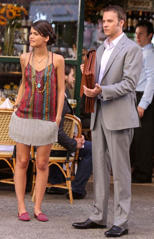 Sofia Black D'Elia on the set of 'Gossip Girl' - just makes me smile! <3