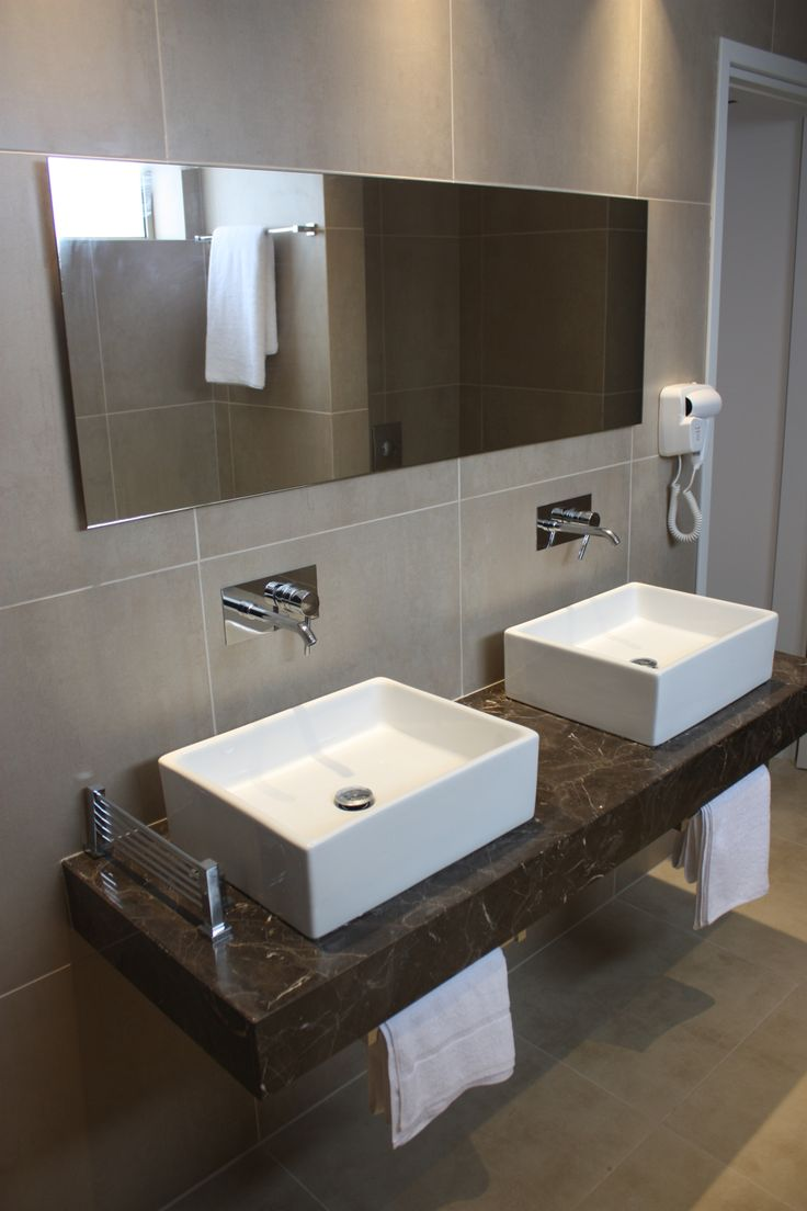 standard room- bathroom