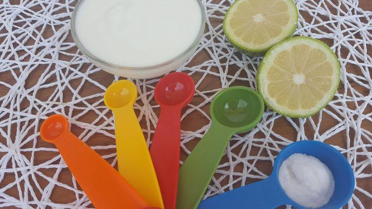 SUCCO DI LIMONE E BICARBONATO, DOSE PER 500 GR FARINA :  il succo di 2 limoni 1 cucchiaino bicarbonato  Mescolate il bicarbonato insieme alla farina e aggiungere il succo di limone agli ingredienti liquidi. Aggiungere la farina e il bicarbonato alla fine della preparazione dell'impasto, per evitare che la lievitazione incominci troppo presto.
