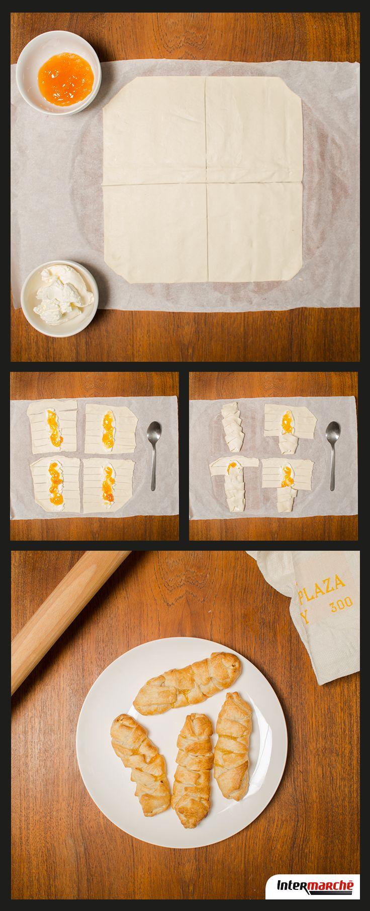 Pour un petit-déjeuner gourmand, suivez notre #recette de mini-croissant à la confiture d'abricot-pêche. 1) Coupez la pâte feuilletée en 4 parties égales. 2) Taillez des lanières de chaque côté des carrés de pâte, afin de les replier en forme de croissant par la suite. Au milieu du carré, étalez du fromage frais, puis de la confiture par dessus.  3) Repliez petit à petit les lanières des deux côtés pour les faire se chevaucher et formez un croissant. 4) Enfournez à 210 degrés pendant 15…