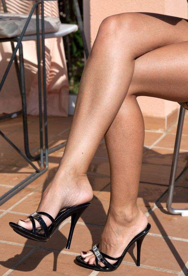 ebony heel fetish