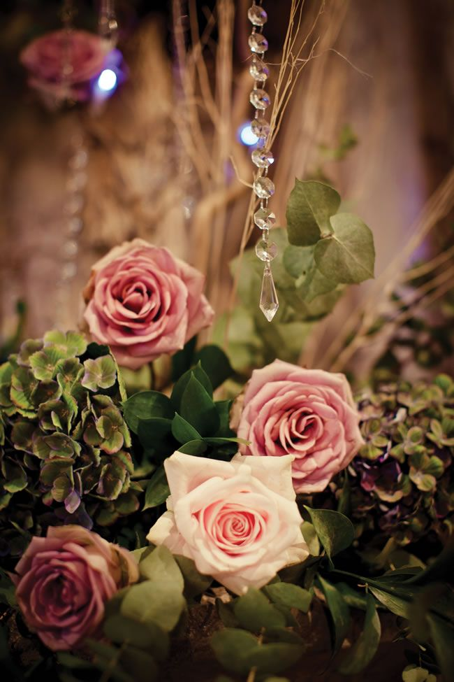 a midsummer night's dream wedding | Midsummer Night's Dream-themed real wedding from Victoria and Paul