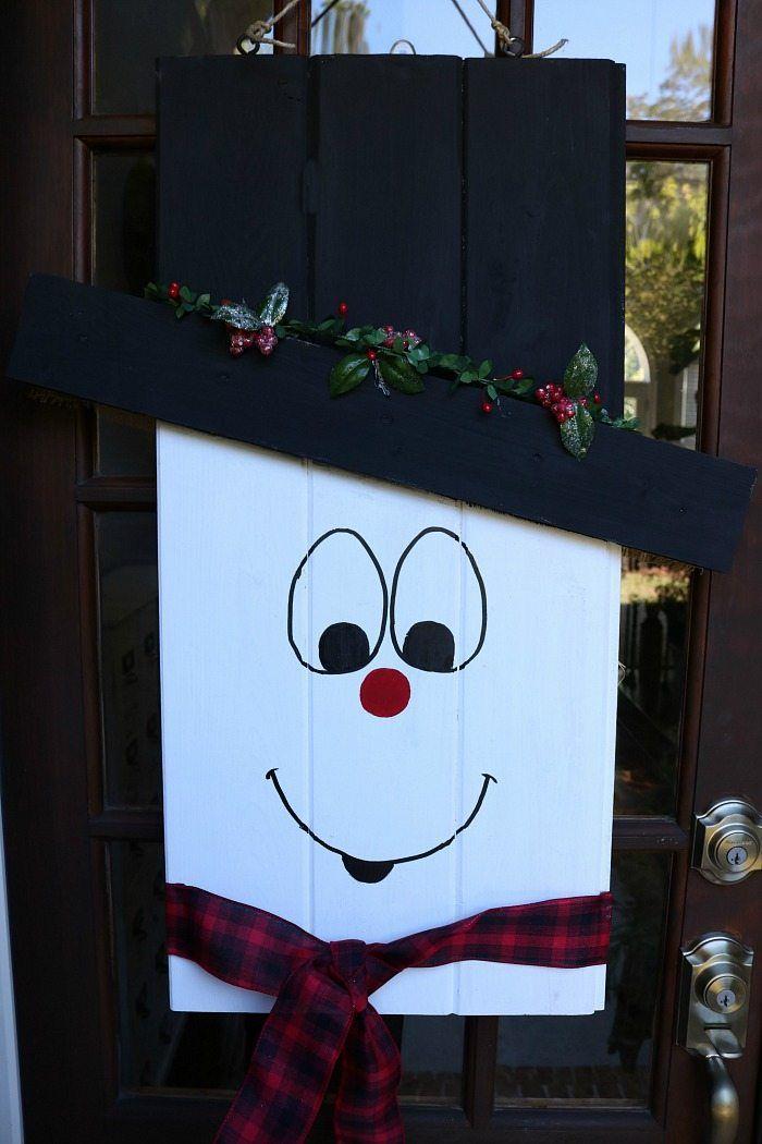 25+ unique Snowman door ideas on Pinterest   DIY Christmas ...