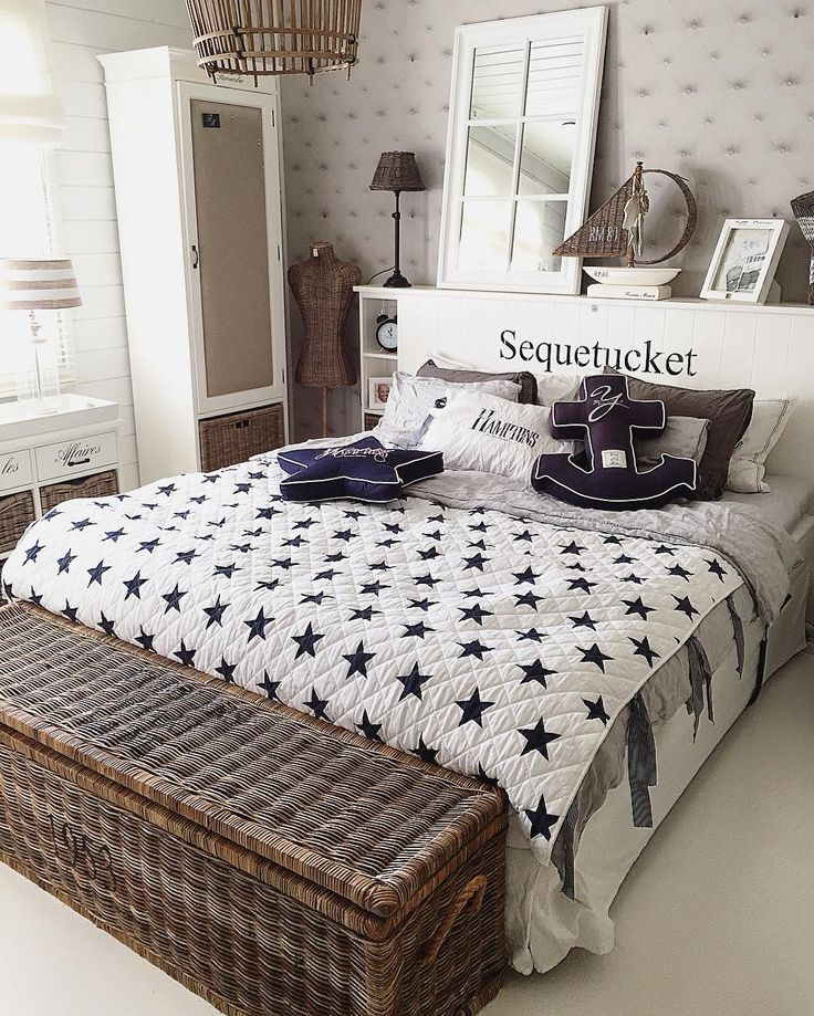 Hiiohoi⚓️ ja hyvää huomenta😘 #goodmorning #sunshine #bedroom #anchor #rivieramaison #interiorandhome #interior125 #interiorstyled #interior4you #interior123 #paradisetinterior #passion4interior #hem_inspiration #beachhousestyle #lovelyinterior #finahem #finehjem #inspiration #inspiroivakoti