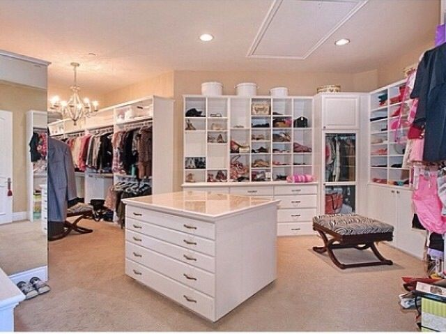 Huge Walk In Closet Want Dream Closets Dream Rooms