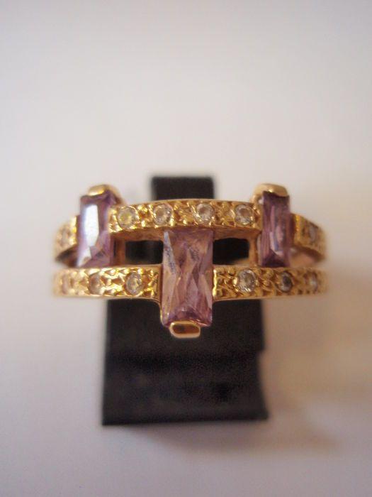 gouden ring met amethyst en witte saffier