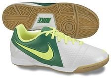 Look at the latest Soccer shoes at Soccercorner.com