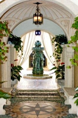 Miami mansion Casa Casuarina, built for Gianni Versace, love this entrance
