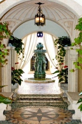 Miami mansion Casa Casuarina, built for Gianni Versace, love this entrance