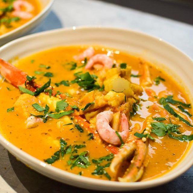 Bouillabaisse - kanskje verdens beste suppe! Se hvordan på www.gladkokken.no #janhenriksgladekjøkken #gladkokken  #matglede #mat #matblogg #followme #chefsoninstagram #delicious #siemens #food #oppskrifter #middagstips #middag #instafood #bouillabaisse