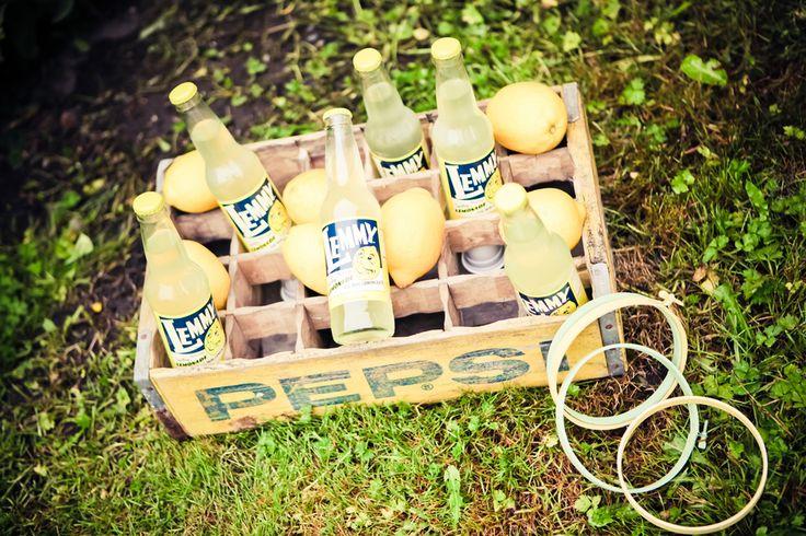 lemon+lime+green+yellow+citrus+orange+modern+ombre+birthday+party+wedding+theme+shower+baby+kids+kid+children+child+7up+seven+up+theme+photo+backdrop+lemonade+stand+retro+vintage+heather+lynn+photographie+7.JPG (900×600)