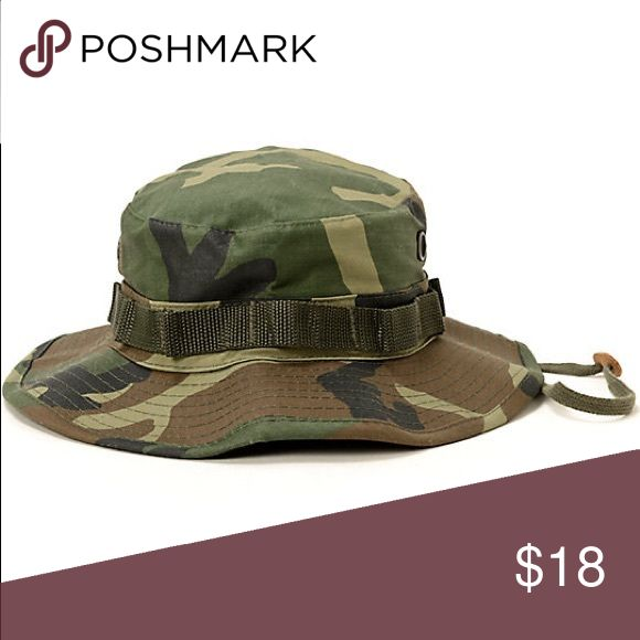 Camo Bucket Hat Perfect condition! Only worn a few times. Zumiez Accessories Hats