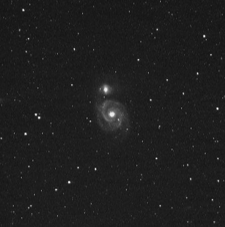 M51, Galaxia del Remolino, Canes Venatici. Toma de 1 minuto, sin filtros. Procesada con Fits Liberator y GIMP.Telescopio Robótico del Proyecto MicroObservatory.