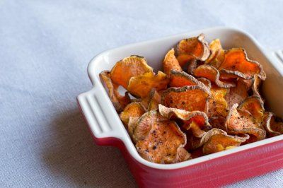 dehydrator recipe – raw vegetable chips — sarah learns