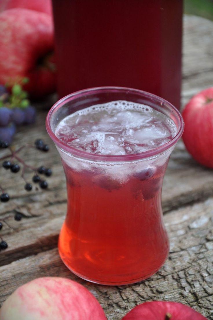 Hjemmelavet Hyldebær/æble/vindrue saft