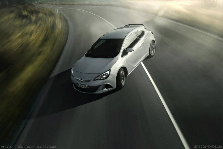 A lovely pic of our Opel Astra OPC