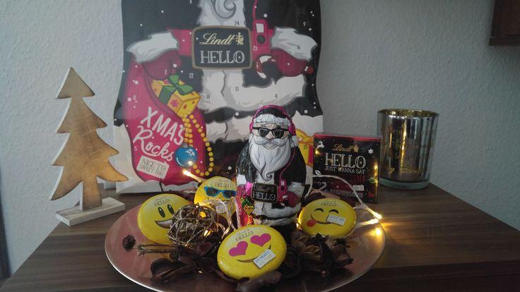 Lindt Hello X-Mas Rocks Test - Traditionell und prüde Weihnachten sind von gestern! Der Bericht über die neuen Weihnachtsleckereien von Lindt findet ihr auf meinem Blog.  Schaut vorbei!