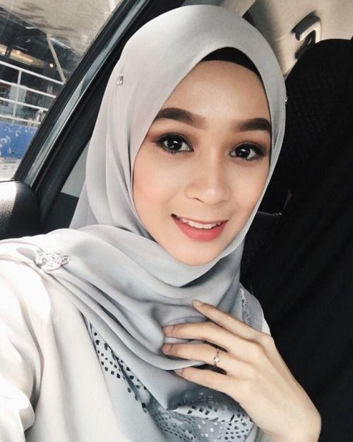 Gadis Melayu Cantik   Cewek Simpanan Vs Wanita Idaman