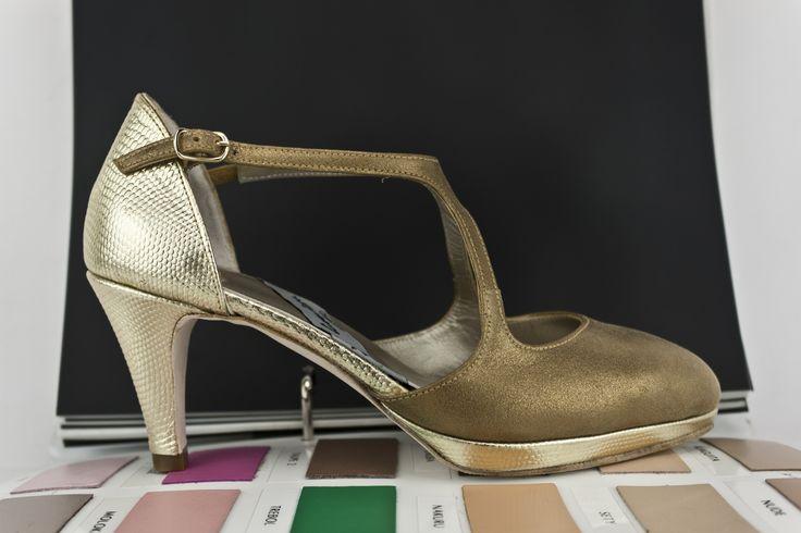 #zapatos #salon #atugusto #tacones #pielmetalizada #plataforma #PLATFORMPUMPS #SHOES #FASHION #HANDMADE #MADEINSPAIN JorgeLarranaga.com