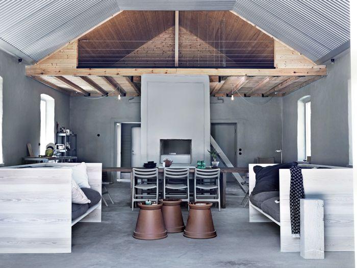 sommarstuga-loft-industriell-inredning-gratt-kalksten-foto-jonas-ingerstedt | ELLE Decoration