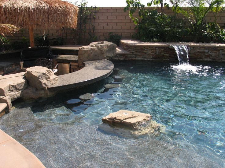 Swim up pool bar idea yard and the outside oasis pinterest - Pictures of pools with swim up bars ...