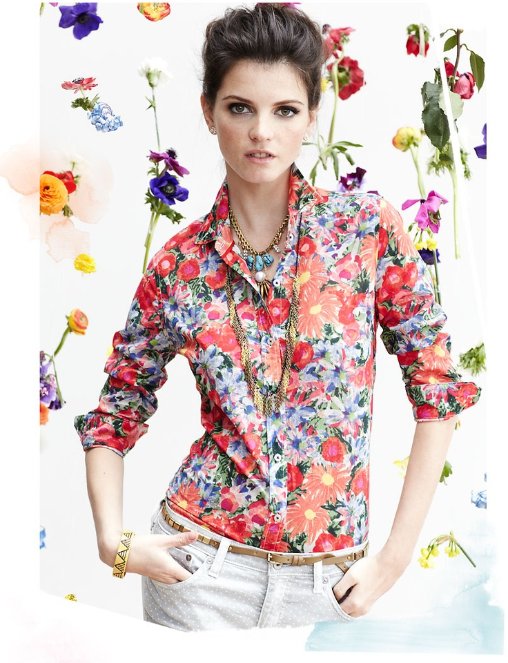 I've been trying to rock this floral button up and jeans look - but haven't gotten it like this - as they say, try, try again.