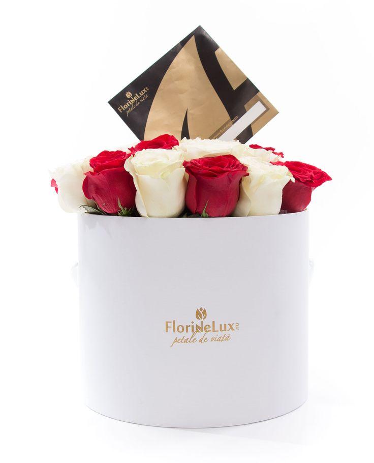 Cutie alb imaculat plina cu trandafiri de Columbia proaspeti, un cadou ideal pentru orice ocazie! Alege azi cele mai frumoase flori in cutie eleganta, cadoul ideal pentru orice doamna sau domnisoara!  https://www.floridelux.ro/cutie-cu-23-trandafiri-albi-si-rosii.html