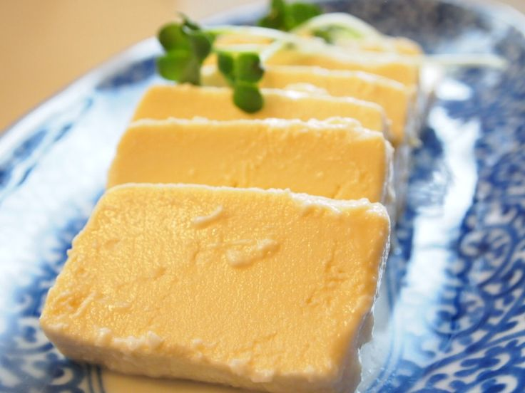塩麹豆腐ってご存じですか?豆腐を塩麹につけておくことでまるでチーズのような風味になるのです。そんな塩麹豆腐の作り方からレシピなどまでご紹介します。