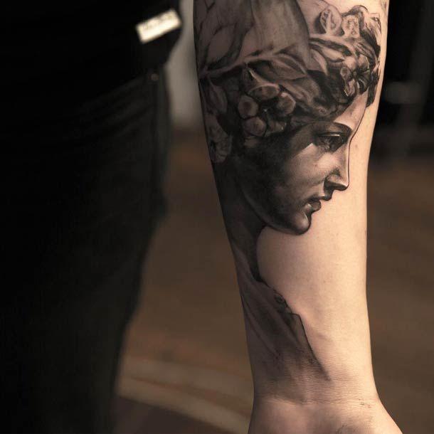 Une sélection des magnifiques tatouages très réalistes de l'artiste tatoueur suédois Niki Norberg, qui réalise des pièces monochromes de toute beauté, a