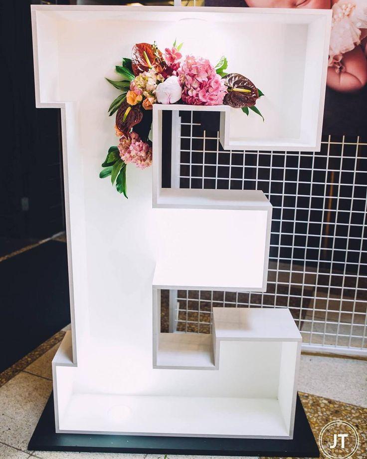 M s de 25 ideas incre bles sobre pastel de bautizo de for Decoracion para bautizo nina