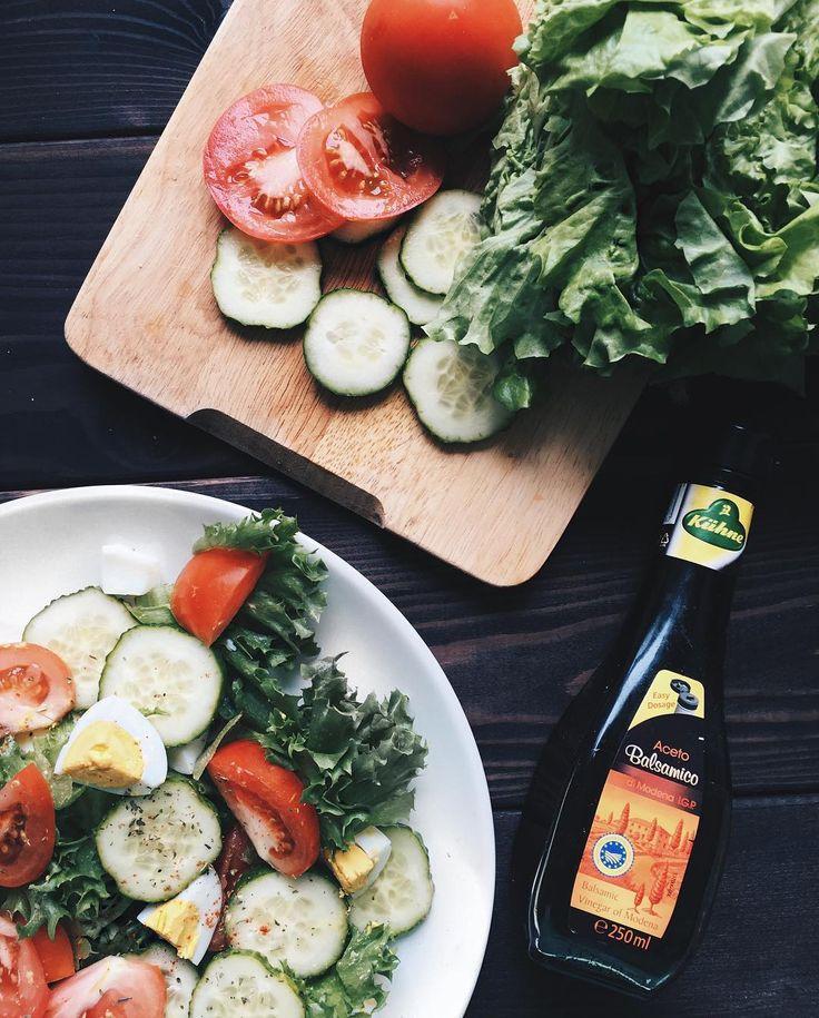 508 отметок «Нравится», 15 комментариев — Online training (@moya_sasha) в Instagram: «Хожу по дому в шерстяных носочках, а в душе всё равно солнышко✨🦄💘 поэтому на завтрак салат с…»