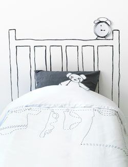 Leuk idee voor de #kinderkamer: maak je eigen #hoofdbord door op de muur te tekenen of te verven! #DIY