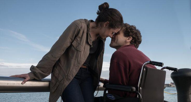 Stronger : 愛する女性のゴールインを待ちかまえたボストン・マラソンで、爆弾テロの直撃を食らい、両足を失った男性の痛みと人生の激変を、ジェイク・ジレンホールが熱演した実話の映画化「ストロンガー」の予告編を初公開 ! ! - CIA Movie News