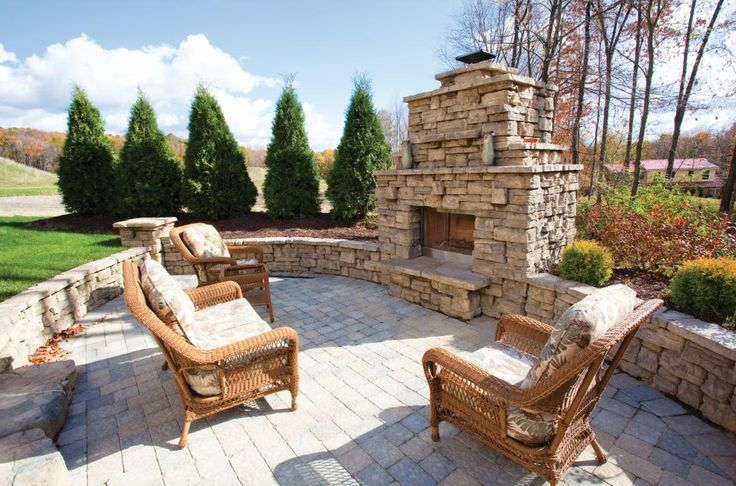 how to build an outdoor fireplace with pavers