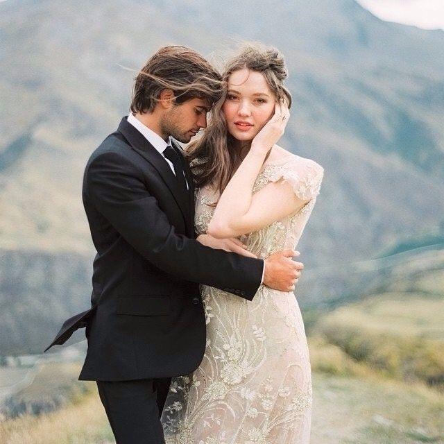 inspirasi buat yang #pengen_nikah dari : @tamaragigola    tag pasangan kamu...   #pengennikah #nikah #wedding #married #resepsi