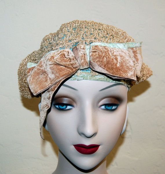 Wonderful Vintage 20s Flapper Horsehair Winged Cloche Hat
