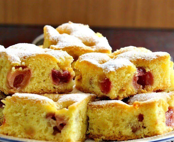 Сочный и вкусный пирог с вишней, как у бабушки. Самый простой рецепт вишневого пирога в духовке на скорую руку. Минимум продуктов и времени.