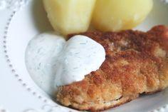 Panerad torsk med kokt potatis och kall dillsås